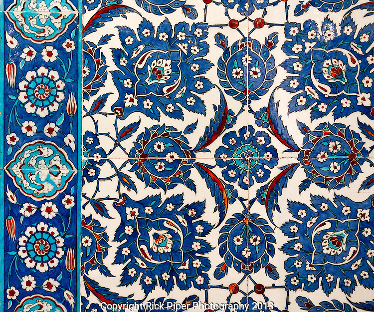 Iznik 12 - Stylized flower and leaf motifs on Iznik tiles in Rustem Pasa Mosque, Eminonu, Istanbul, Turkey
