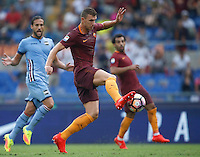Calcio, Serie A: Roma vs Sampdoria. Roma, stadio Olimpico, 11 settembre 2016.<br /> Roma&rsquo;s Edin Dzeko prepares to kick to score during the Italian Serie A football match between Roma and Sampdoria at Rome's Olympic stadium, 11 September 2016. Roma won 3-2.<br /> UPDATE IMAGES PRESS/Isabella Bonotto