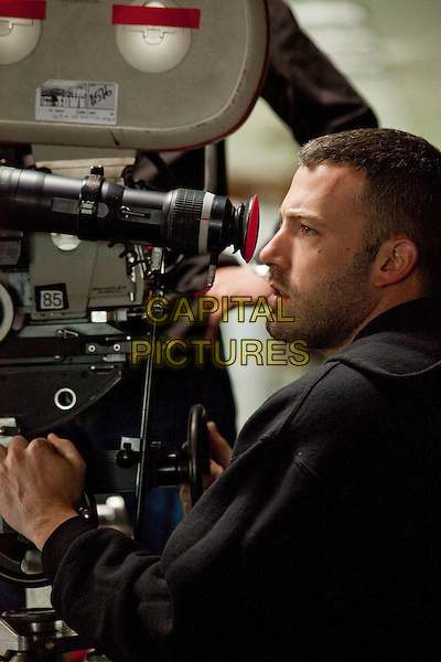 Director/Screenwriter/Actor BEN AFFLECK .on the set of The Town.*Filmstill - Editorial Use Only*.CAP/FB.Supplied by Capital Pictures.