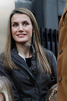 ATENCAO EDITOR IMAGEM EMBARGADA PARA VEICULOS INTERNACIONAIS - MADRI, ESPANHA, 25 NOVEMBRO 2012 - REI JUAN CARLOS HOSPITAL - O princepe Felipe e a Princesa Letizia com suas filhas Leonor e Sofia apos visita ao rei da Espanha Juan Carlos que passou por uma cirurgia de quadril realizado no Hospital San Jose, em Madri capital da Espanha, neste domingo, 25. (FOTO: ALFAQUI / BRAZIL PHOTO PRESS).