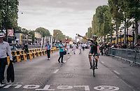 40 yr old Mathew Hayman (AUS/Mitchelton-Scott) saluting the crowd down the Champs-Élysées for a very last time? <br /> <br /> Stage 21: Houilles > Paris / Champs-Élysées (115km)<br /> <br /> 105th Tour de France 2018<br /> ©kramon