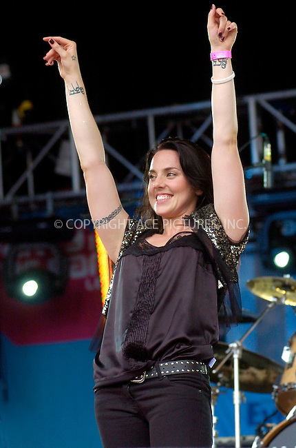 WWW.ACEPIXS.COM . . . . .  ... . . . . US SALES ONLY . . . . .....LEEDS, JULY 17, 2005....Melanie C at Party In The Park, Temple Newsome.....Please byline: FAMOUS-ACE PICTURES-P. DRABBLE... . . . .  ....Ace Pictures, Inc:  ..Craig Ashby (212) 243-8787..e-mail: picturedesk@acepixs.com..web: http://www.acepixs.com