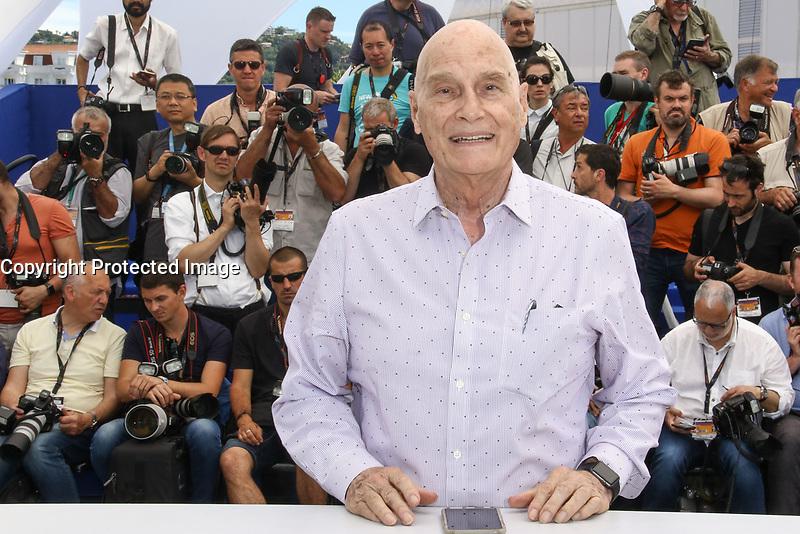 Barbert SCHRODER en photocall pour le film LE VENERABLE W pendant le soixante-dixième (70ème) Festival du Film à Cannes, Palais des Festivals et des Congres, Cannes, Sud de la France, samedi 20 mai 2017. Philippe FARJON / VISUAL Press Agency