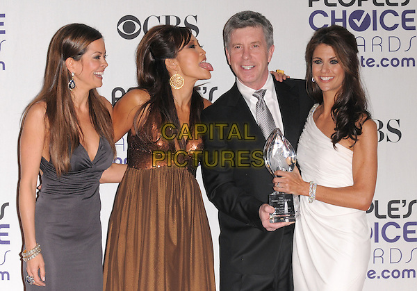 DANCING WITH THE STARS - BROOKE BURKE, CARRIE ANN INABA, TOM BERGERON & SAMANTHA HARRIS.The 35th Annual People's Choice Awards held at The Shrine Auditorium in Los Angeles, California, USA..January 7th, 2009.Pressroom press room half length grey gray brown black white dress suit jacket one shoulder award trophy gold sequins sequined one shoulder profile tongue sticking poking funny face                       .CAP/DVS.©Debbie VanStory/Capital Pictures.