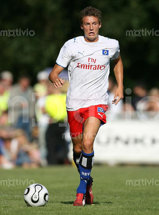 Fussball  1. Bundesliga  Saison 2006/2007 Mario FILLINGER (Hamburger SV), Einzelaktion am Ball