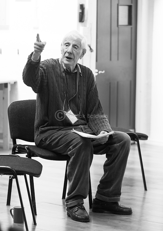 """""""King Lear"""" rehearsed reading rehearsals. Old Vic Theatre. Director: Jonathan Miller. Jonathan Miller."""