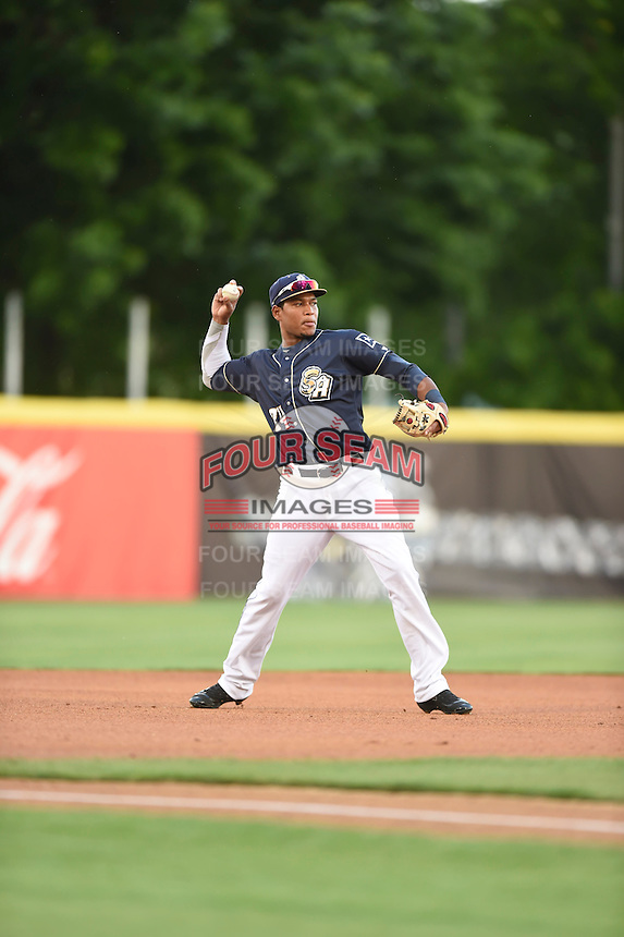 ***Temporary Unedited Reference File***San Antonio Missions third baseman Gabriel Quintana (24) during a game against the Midland RockHounds on April 21, 2016 at Nelson W. Wolff Municipal Stadium in San Antonio, Texas.  Midland defeated San Antonio 9-2.  (Mike Janes/Four Seam Images)