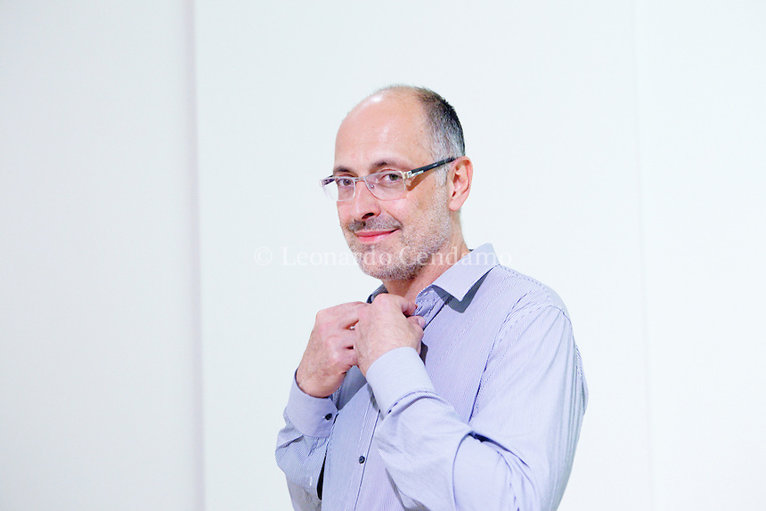 Marco Montemarano, è uno scrittore italiano e vive in Ravenna. Finalista dei cinque autori del Premio Internazionale Neri Pozza. Milano, 12 settembre 2013. © Leonardo Cendamo.