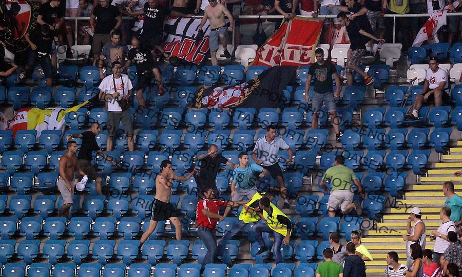 Fudbal UEFA Europa League season 2013-2014<br /> Cernomorec Vs. Crvena Zvezda<br /> Delija navijaci tuca policija fans supporters fight riots police<br /> Odessa, 02.08.2013.<br /> foto: Srdjan Stevanovic/Starsportphoto &copy;