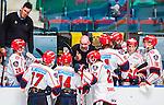 Stockholm 2014-09-11 Ishockey Hockeyallsvenskan AIK - S&ouml;dert&auml;lje SK :  <br /> S&ouml;dert&auml;ljes tr&auml;nare coach Jan Janne Karlsson i aktion under en timeout i den tredje perioden<br /> (Foto: Kenta J&ouml;nsson) Nyckelord:  AIK Gnaget Hockeyallsvenskan Allsvenskan Hovet Johanneshovs Isstadion S&ouml;dert&auml;lje SK SSK tr&auml;nare manager coach diskutera argumentera diskussion argumentation argument discuss timeout