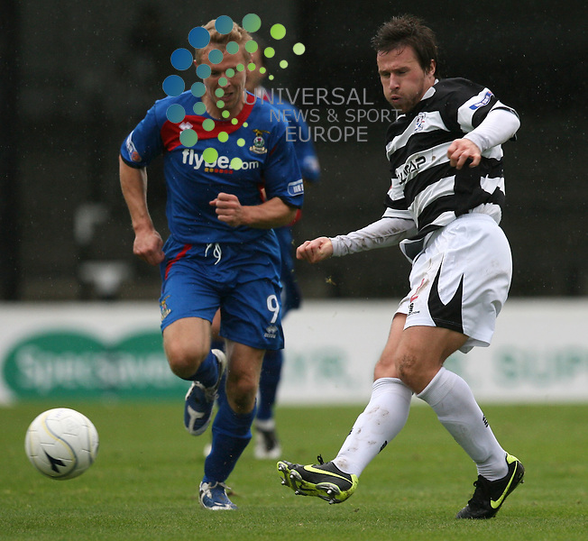 Ayr defender Builly Gibson in action during the Irn-Bru First Division match between Ayr Utd and Inverness CT at Somerset Park 24/10/09..Picture by Ricky Rae/universal News & Sport (Scotland).