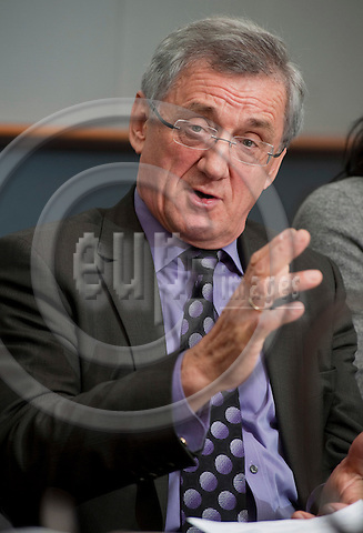 Brussels-Belgium - November 16, 2010 -- MEP Albert DESS  (EPP/DE, CSU) from Germany, member of the Group of the European People's Party (Christian Democrats) in the European Parliament, i.a. member of the Committee on Agriculture and Rural Development, during a press briefing in the EP -- Photo: Horst Wagner / eup-images