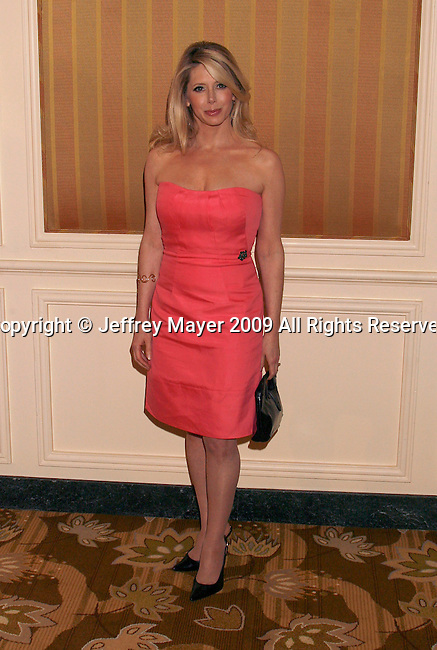 BEVERLY HILLS, CA. - June 05: Actress Michelle Harris arrives at the Step Up Women's Network's 2009 Inspiration Awards Luncheon at the Beverly Wilshire Four Seasons Hotel on June 5, 2009 in Beverly Hills, California.