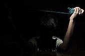 Bangalore 24.02.2009 India.Jyothi Seva, home and school for blind children. .photo Maciej Jeziorek/Napoimages..Bangalore 24.02.2009 Indie.Jyoti Seva dom i szkola dla niewidomych dzieci, zalozona i prowadzona przez Siostry Franciszkanki Sluzebnice Krzyza, zgromadzenie zakonne zalozone przez niewidoma siostre Elzbiete Czacka..nz. zajecia plastyczne, dziewczynka zwijajaca klebek wloczki.fot. Maciej Jeziorek/ Napoimages