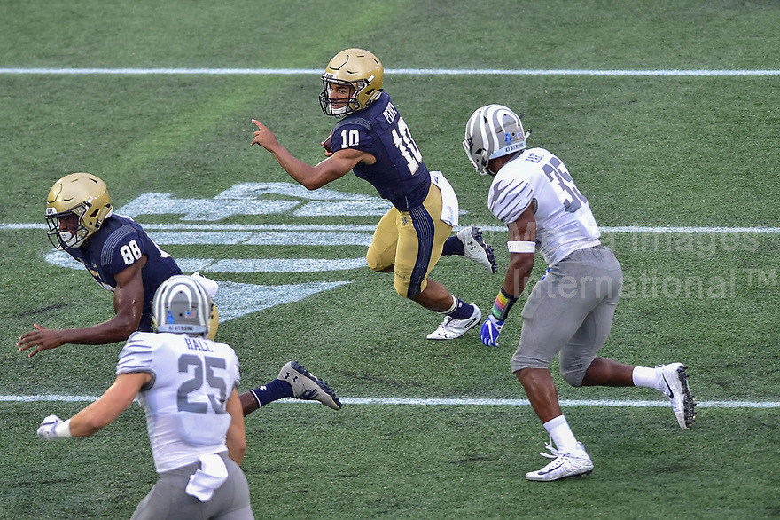 Annapolis, MD - September 8, 2018: Navy Midshipmen quarterback Malcolm Perry (10) runs the football during game between Memphis and Navy at  Navy-Marine Corps Memorial Stadium in Annapolis, MD. (Photo by Phillip Peters/Media Images International)