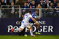 Joe Cokanasiga of Bath Rugby goes on the attack. Gallagher Premiership match, between Bath Rugby and Exeter Chiefs on October 5, 2018 at the Recreation Ground in Bath, England. Photo by: Patrick Khachfe / Onside Images