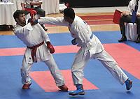 CALI - COLOMBIA - 27-07-2013: Combate de Karate Do entre Atamov de Azerbayan y Aponte de Colombia durante los IX Juegos Mundiales Cali, julio 27 de 2013. (Foto: VizzorImage / Luis Ramirez / Staff.) Combat of Karate Do between Atamov from Azerbaijan and Aponte from Colombia in the IX World Games Cali July 27, 2013. (Photo: VizzorImage / Luis Ramirez / Staff.)