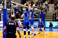 GRONINGEN - Volleybal, Lycurgus - Vocasa, Eredivisie, seizoen 2019-2020, 08-02-2020,  blok met Lycurgus speler Collin Mahan en Lycurgus speler Sander Scheper