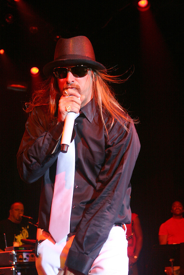 NEW YORK - OCTOBER 09:  Kid Rock performs at his concert at Irving Plaza on October 9,2007 in New York City new York.  (Photo by Soul Brother/FilmMagic)