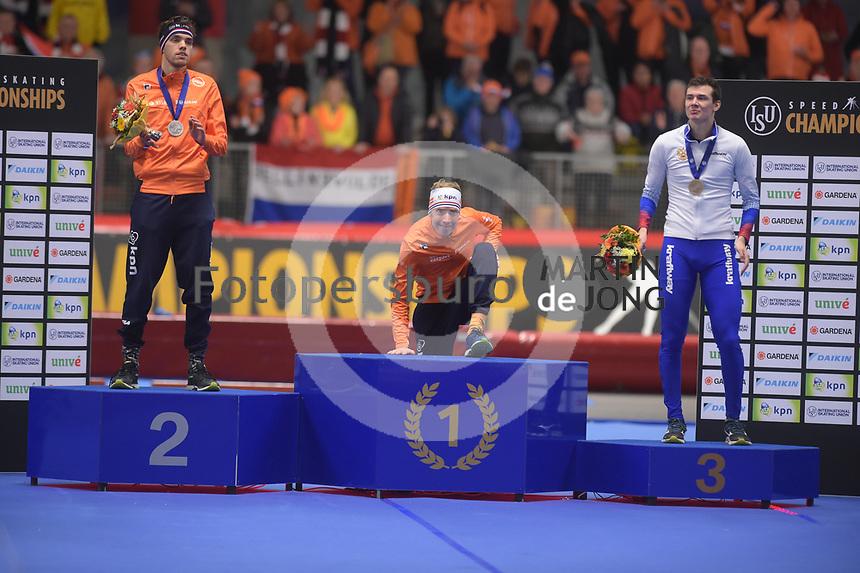 SPEEDSKATING: INZELL: Max Aicher Arena, 09-02-2019, ISU World Single Distances Speed Skating Championships, Podium 10.000m Men, Patrick Roest (NED), Jorrit Bergsma (NED), Danila Semerikov (RUS), ©photo Martin de Jong