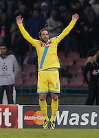 Gonzalo Higuain  durante l'incontro di calcio di Champions Leahue  Napoli Arsenal allo  Stadio San Paolo  di Napoli , 13 Dicembre  2013<br /> Foto Ciro De Luca