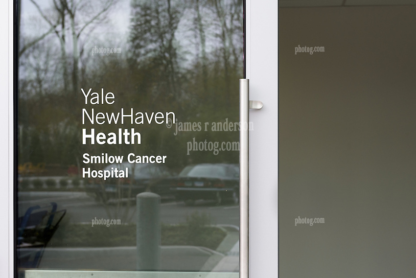 Yale-New Haven Health Park Avenue Medical Center. Smilow Cancer Hospital. Architect: Shepley Bulfinch. Contractor: Gilbane Building Company, Glastonbury, CT. James R Anderson Photography, New Haven CT photog.com. Date of Photograph 29 April 2016  Submission 25  © James R Anderson.