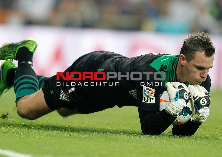 Betis' Stephan Andersen during La Liga match.August 18,2013. Foto © nph / Acero)