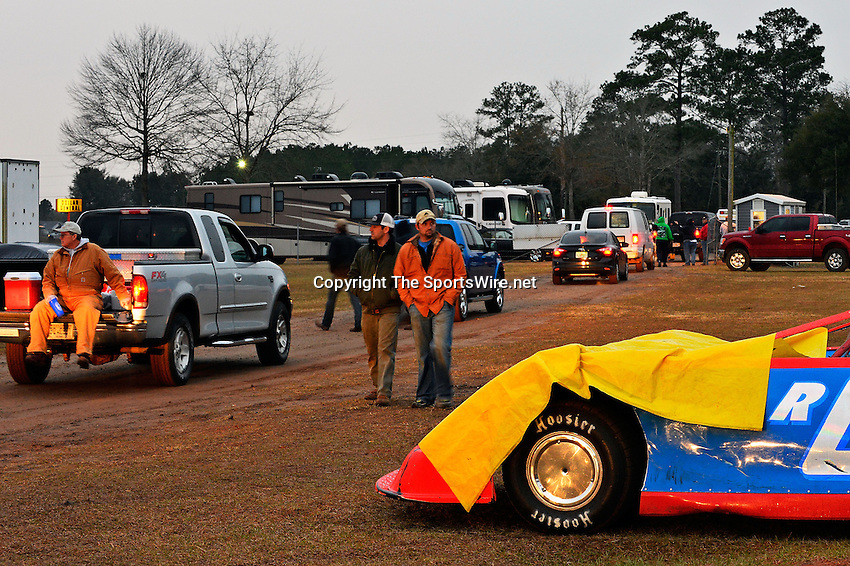Feb 06, 2014; 6:59:19 PM; Waynesville, GA., USA; The Lucas Oil Late Model Dirt Series running The Georgia Boot Super Bowl of Racing at Golden Isles Speedway.  Mandatory Credit: (thesportswire.net)