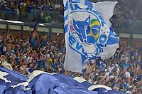 Torcida do Cruzeiro durante partida entre Cruzeiro x Atlético PR válida pelo Campeonato Brasileiro realizado no Estádio Mineirão. Belo Horizonte/MG, Brasil 14/09/2013. Foto: Daniel Oliveira / Brazil Photo Press