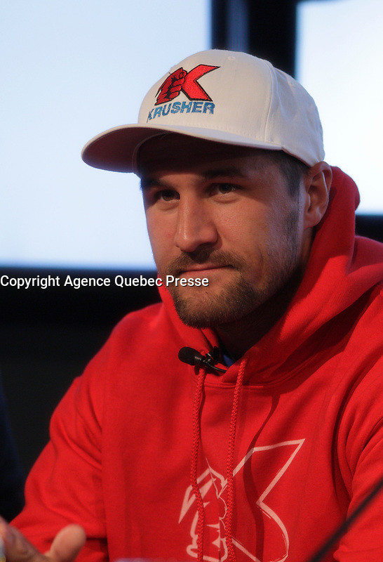 Montreal boxer Jean Pascal (R-in black) and Russian boxer  Sergey Kovalev (L- in red) adress the media in Montreal, Canada, today  Monday, November 30, 2015 about their revenge fight in January 2016.<br /> <br /> Pascal made a point to remind journalist thats Kovalev had no respect and that he gave the medias the finger after the last fight.<br /> <br /> <br /> PHOTO : Pierre Roussel - Agence Quebec Presse
