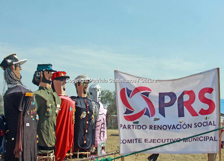 Oaxaca de Ju&aacute;rez, Oax. 10/04/2016.- En un ambiente de m&uacute;sica, algarab&iacute;a y uni&oacute;n familiar, este domingo dio arranque la campa&ntilde;a de Joaqu&iacute;n Ru&iacute;z Salazar, candidato a la gubernatura de Oaxaca por el Partido Renovaci&oacute;n Social (PRS), quien dijo ser un postulante que conoce en carne propia las necesidades del pueblo, ya que sus or&iacute;genes humildes le han permitido darse cuenta de las carencias con las que lidian diariamente los oaxaque&ntilde;os, por lo que su campa&ntilde;a no ser&aacute; solo demagogia y promesas incumplidas, ya que de obtener el triunfo en la pr&oacute;xima elecci&oacute;n se enfocara hacer un cambio real a beneficio de la ciudadan&iacute;a. <br /> <br /> <br /> Cabe destacar que esta es la primer campa&ntilde;a del PRS en aspiraci&oacute;n a la gubernatura del estado de Oaxaca.