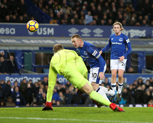29th November 2017, Goodison Park, Liverpool, England; EPL Premier League Football, Everton versus West Ham United; Wayne Rooney of Everton scores to give Everton a 1-0 lead with a headed rebound after Joe Hart, West Ham United goalkeeper saved his penalty kick