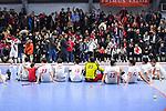 Die Spieler des TSV feiern den Sieg beim Spiel der Hockey Bundesliga Herren, TSV Mannheim - Mannheimer HC.<br /> <br /> Foto © PIX-Sportfotos *** Foto ist honorarpflichtig! *** Auf Anfrage in hoeherer Qualitaet/Aufloesung. Belegexemplar erbeten. Veroeffentlichung ausschliesslich fuer journalistisch-publizistische Zwecke. For editorial use only.