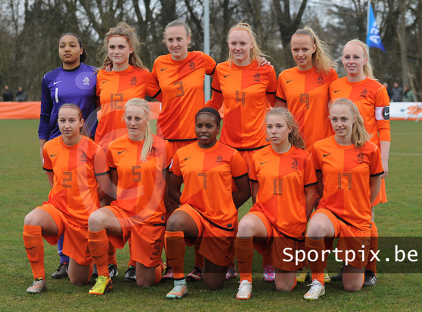 20150404 - MEERSSEN , Netherlands :<br /> <br /> WU19 team of the Netherlands with : Paulina Quaye (1) , Vita Van Der Linden (12) , Lucie Akkerman (3) , Danique Kerkdijk (4) , Tiny Hoekstra (9) , Inessa Kaagman (8) , Corine Peels (2), Maureen Sanders (5) , Lineth Beerensteyn (7) , Suzanne Admiraal (11) , Cheyenne Van Den Goorbergh (17)<br /> , pictured during the female soccer match between Women Under 19 teams of Netherlands and Czech Republic , on the first matchday  in Group 6 of the UEFA Elite Round Women Under 19 at the Sportpark Marsana Stadium , Meerssen , Netherlands<br /> <br /> Thursday 31 march 2015<br /> foto Dirk Vuylsteke / David CATRY