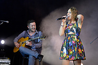 """SÃO PAULO, SP, 02.04.2017 - SHOW-SP - A cantora francesa Zaz durante show da turnê """"Mise em Scéne"""", na noite deste domingo, 02, no Espaço das Américas em São Paulo. (Foto: Levi Bianco\Brazil Photo Press)"""