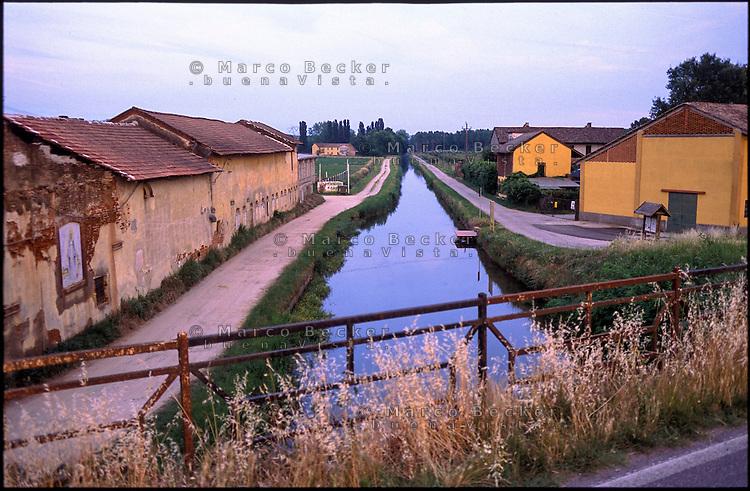 Motta Visconti (Pavia). Naviglio di Bereguardo canal
