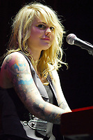Coeur de pirate (tatouage),\n2009/03/23,\nOlympia - Paris,\ncredit : Edouard Setton/DALLE- Agence Quebec Presse