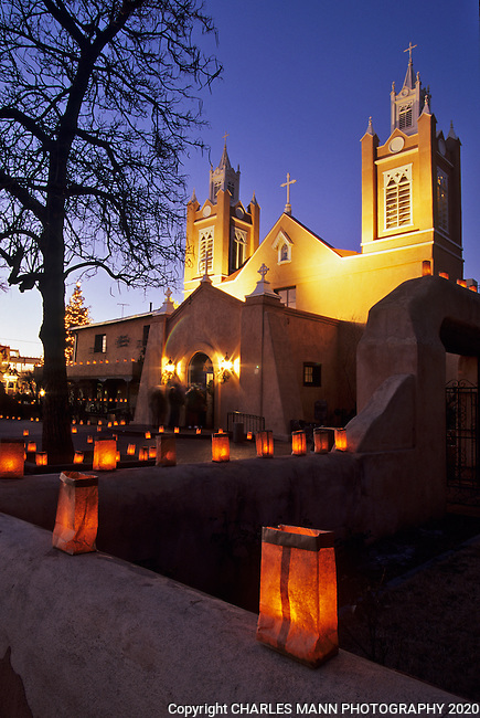 On Christmas Eve, the San Felipe de Neri Church in the Old Town Plaza of Albuquerque is made festive with hundreds of  faralitos, sometimes known as luminarias which devorate the  walls and walkways.