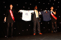 Photo: Richard Lane/Richard Lane Photography. .Serge Betsen Testimonial Dinner at the Hilton on Park Lane. 25/02/2011. Serge Betsen with auction shirts.
