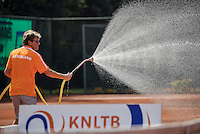 Etten-Leur, The Netherlands, August 27, 2016,  TC Etten, NVK, Spraying the claycourt<br /> Photo: Tennisimages/Henk Koster