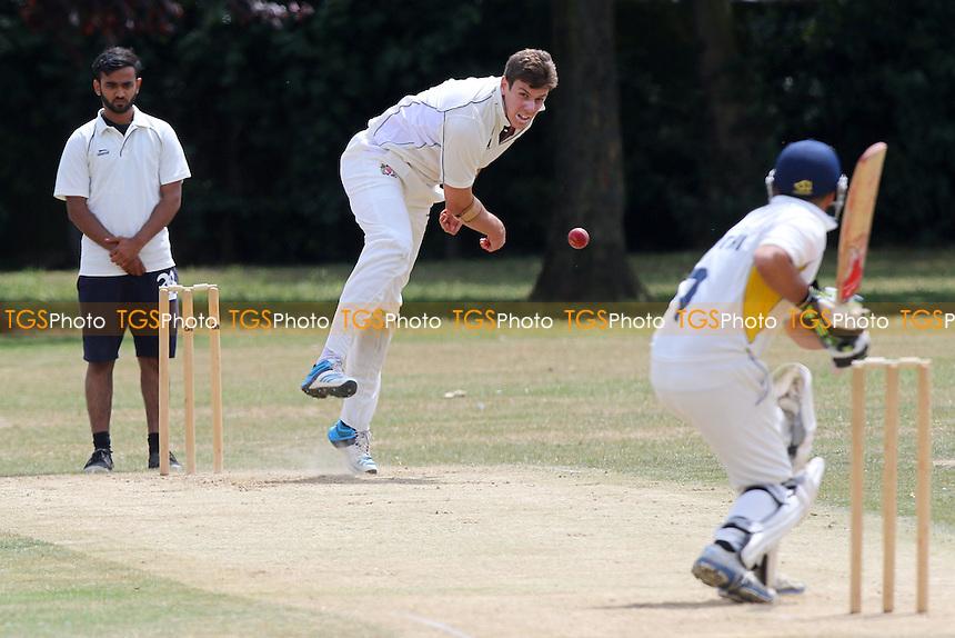 Hornchurch Athletic CC (fielding) vs Rainham CC during the Mid-Essex Cricket League Match at Hylands Park on 18/07/2015 - MANDATORY CREDIT: Gavin Ellis/TGSPHOTO