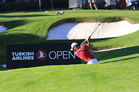 Haotong Li (CHN) plays his 2nd shot on the 17th hole during Thursday's Round 1 of the 2018 Turkish Airlines Open hosted by Regnum Carya Golf &amp; Spa Resort, Antalya, Turkey. 1st November 2018.<br /> Picture: Eoin Clarke | Golffile<br /> <br /> <br /> All photos usage must carry mandatory copyright credit (&copy; Golffile | Eoin Clarke)
