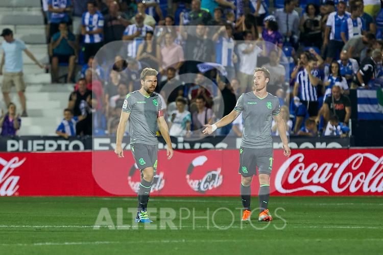 Real Sociedad's Asier Illarramendi (l) and David Zurutuza (r) during La Liga match. August 24, 2018. (ALTERPHOTOS/A. Perez Meca)