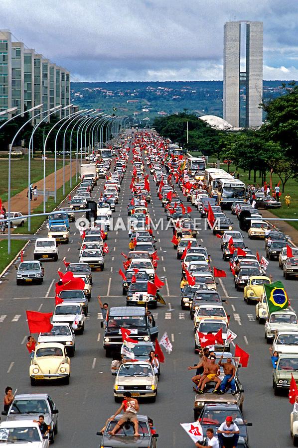 Carreata do PT na Esplanada do Ministérios, nas eleições de 1989. Brasília. Foto de Salomon Cytrynowicz..