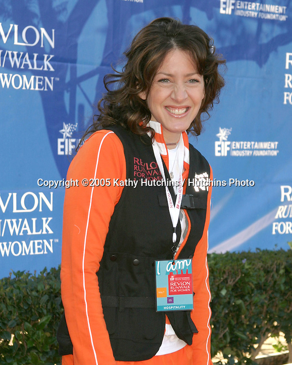 """Joely Fisher.""""I'm So Bored With You"""" socks.Revlon Run/Walk for Women.Los Angeles,  CA.May 7, 2005.©2005 Kathy Hutchins / Hutchins Photoi"""