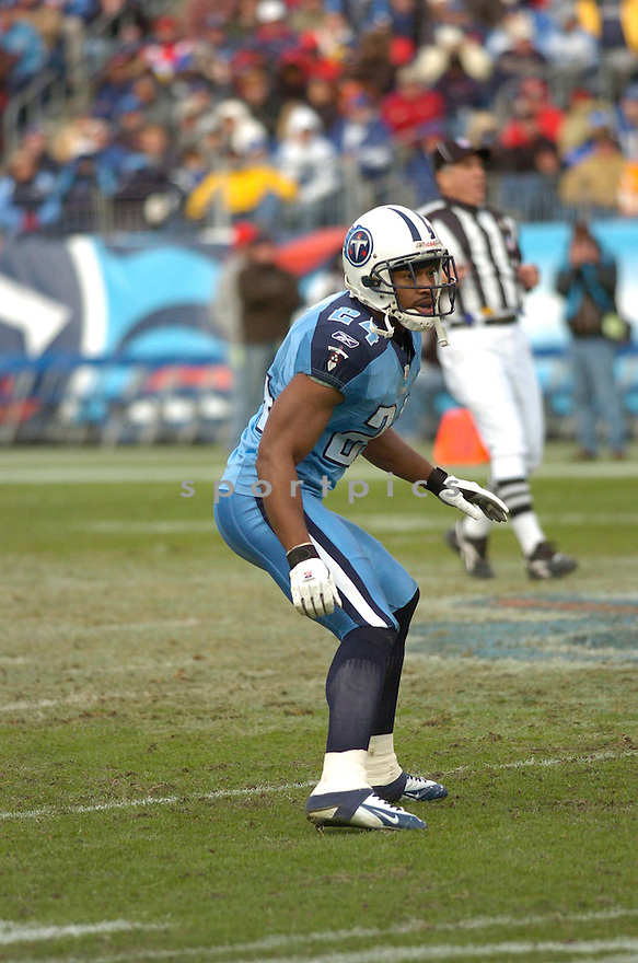 CHRIS HOPE, of the Tennessee Titans, in action against the Indianapolis Colts on December 3, 2006 in Nashville, TN...Titans win 20-17..Chris Bernacchi / SportPics