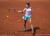 Paris, France, 7 June, 2017, Tennis, French Open, Roland Garros,  Simona Halep (ROU)<br /> Photo: Henk Koster/tennisimages.com