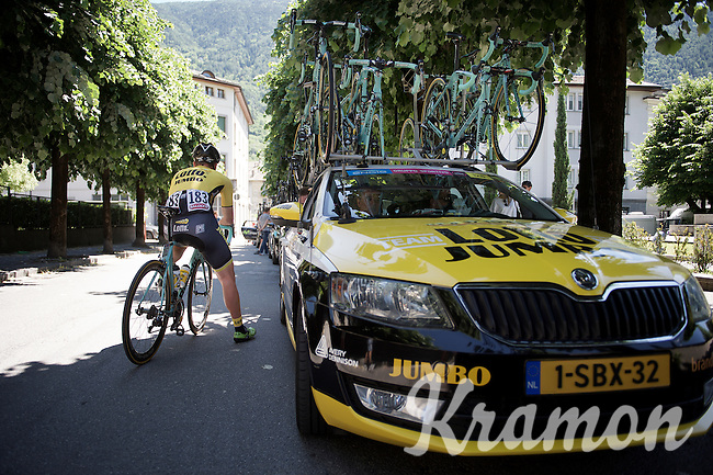 Rick Flens (NLD/LottoNL-Jumbo) waiting in the shadow near the teamcar before the start<br /> <br /> stage 17: Tirano - Lugano (SUI) (134km)<br /> 2015 Giro d'Italia