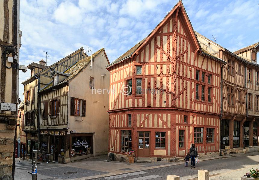 France, Yonne (89), Joigny, la maison de l'Arbre de Jessé // France, Yonne, Joigny, Tree of Jesse House