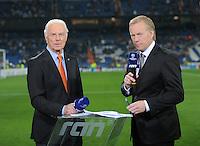FUSSBALL   CHAMPIONS LEAGUE   SAISON 2011/2012  Achtelfinale Rueckspiel 14.03.2012 Real Madrid  - ZSKA Moskau  TV Experte Franz Beckenbauer (li) und Sat 1 Moderator Johannes B. Kerner